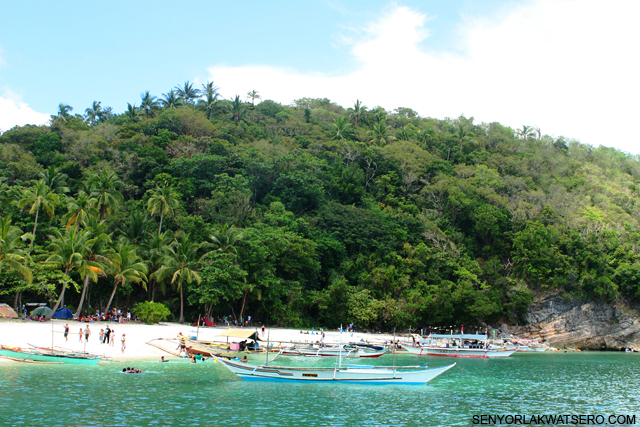 Going Solo to Puting Buhangin Beach