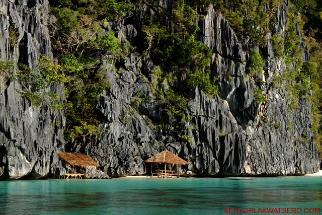 Due To It S Many Natural Attractions Coron Is Fast Becoming One Of The Most Favorite Tourist Destinations In Philippines Beautiful White Sandy