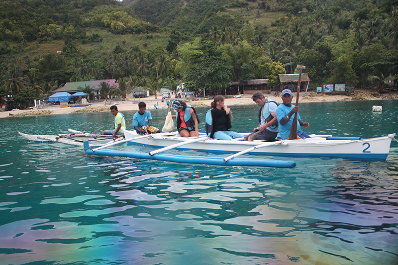 Whale watching at Tan-awan, Oslob