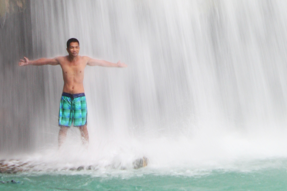 Heavenly Shower Massage  At Kawasan Falls, Badian Cebu