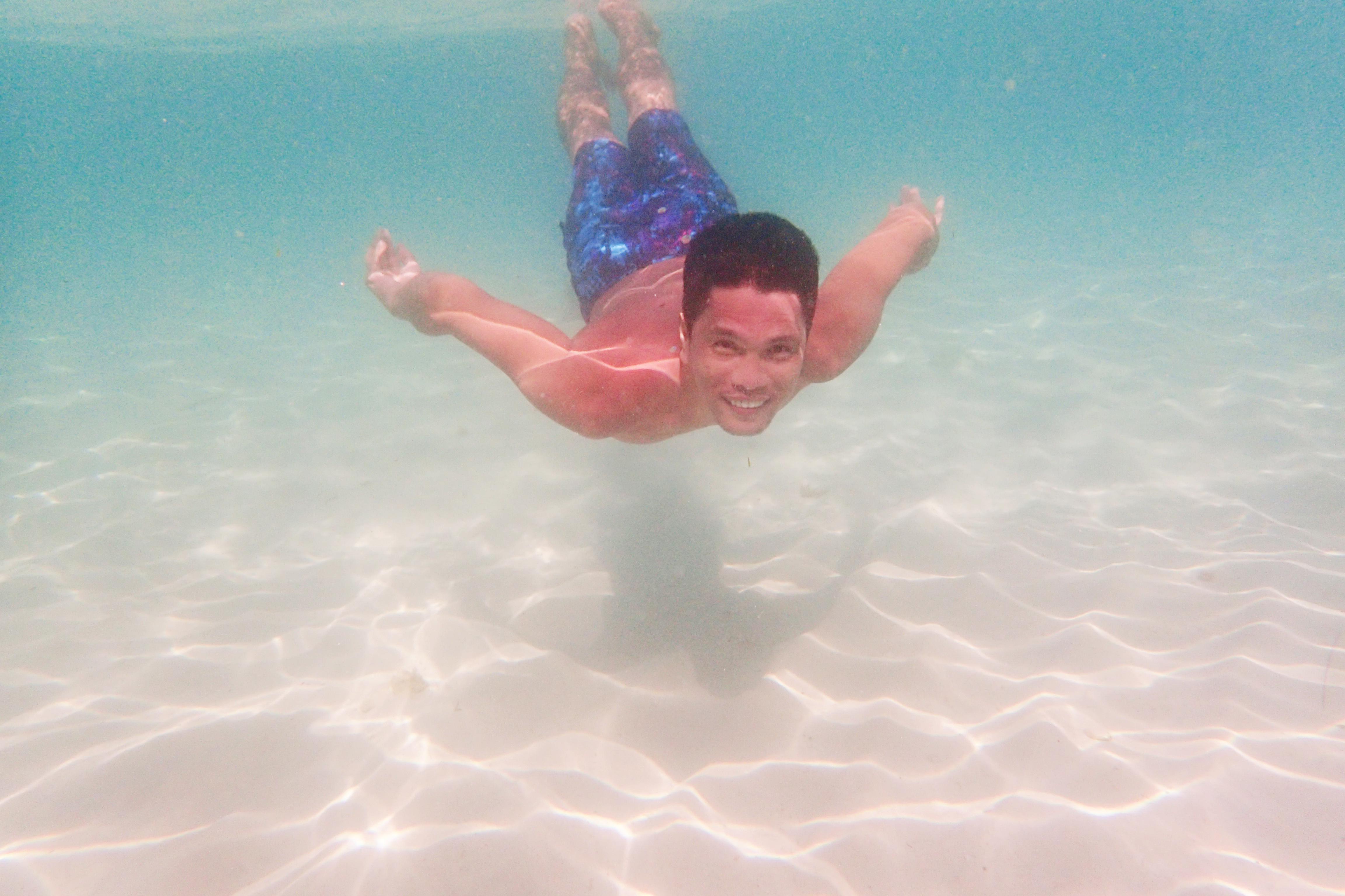 Olympus TG-3 in action underwater